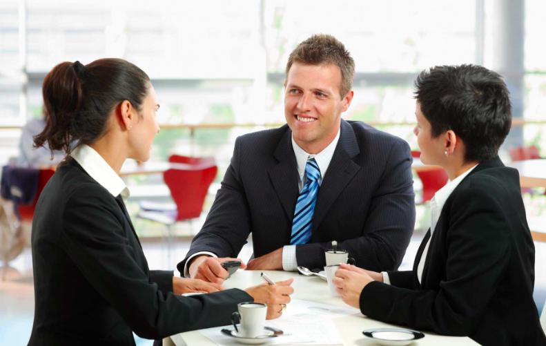 Een goede verkooptrainer geeft tops en tips